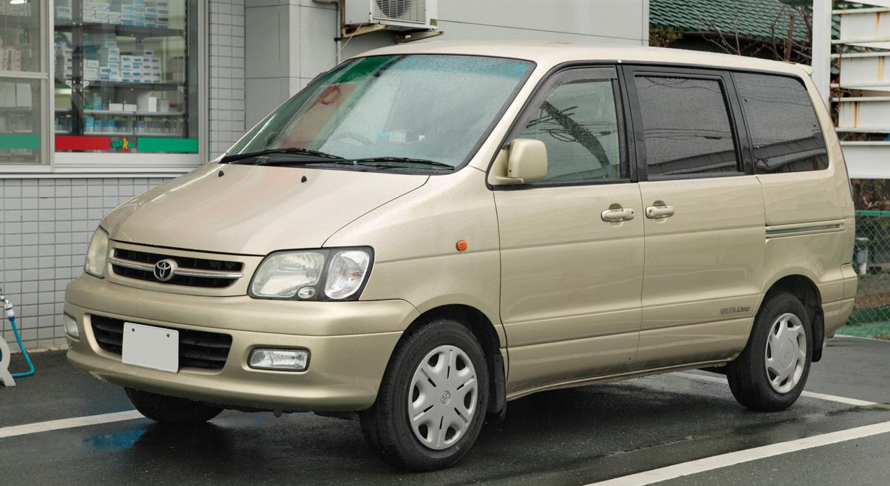 Toyota Voxy I (R60) 2001 - 2007 Compact MPV #7