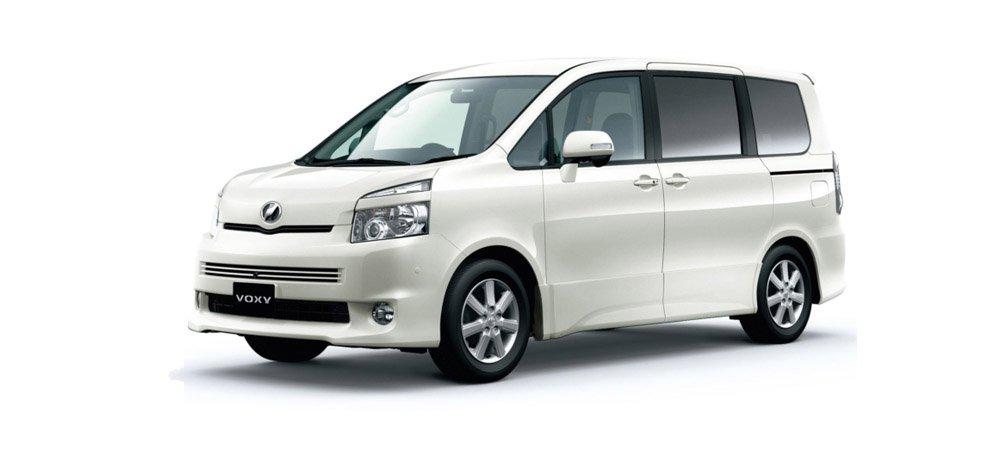 Toyota Voxy I (R60) 2001 - 2007 Compact MPV #2