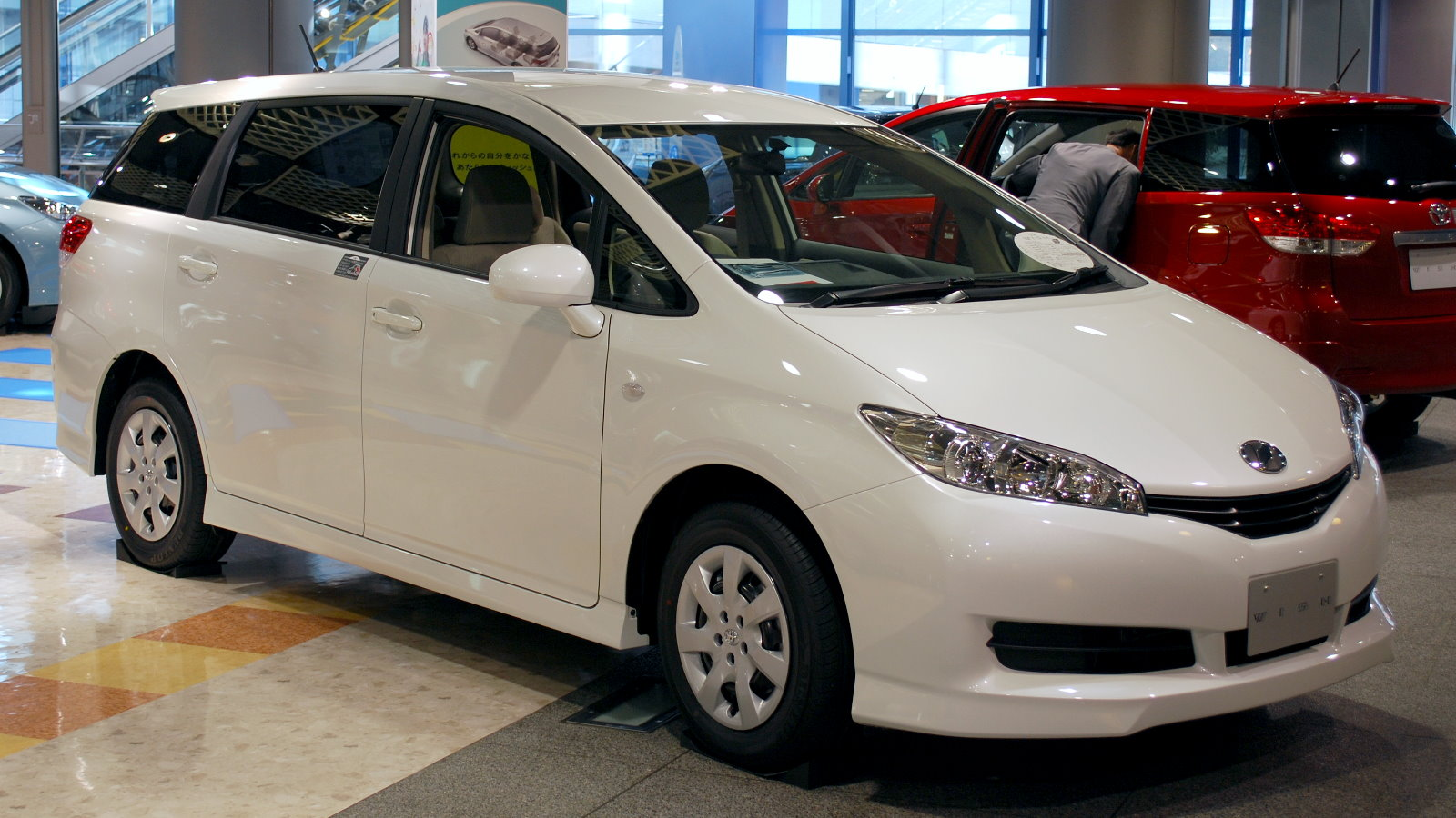Toyota Wish I 2003 2005 Compact Mpv Outstanding Cars