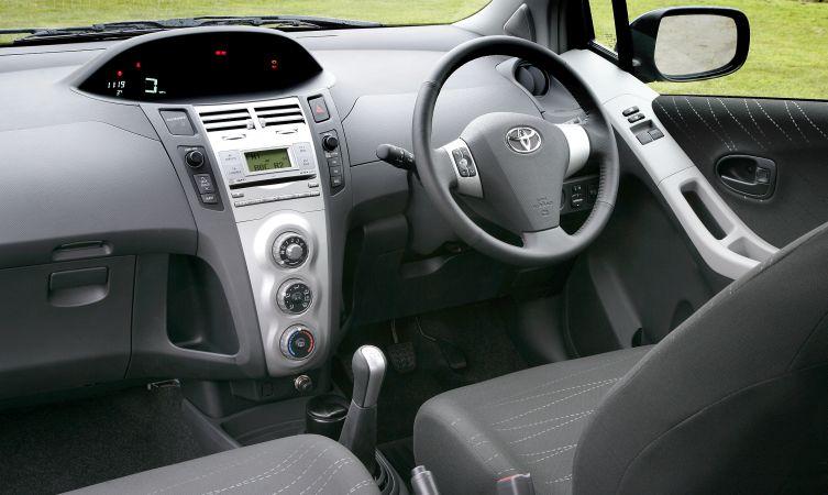 Toyota Yaris I Restyling 2003 - 2005 Hatchback 5 door #1