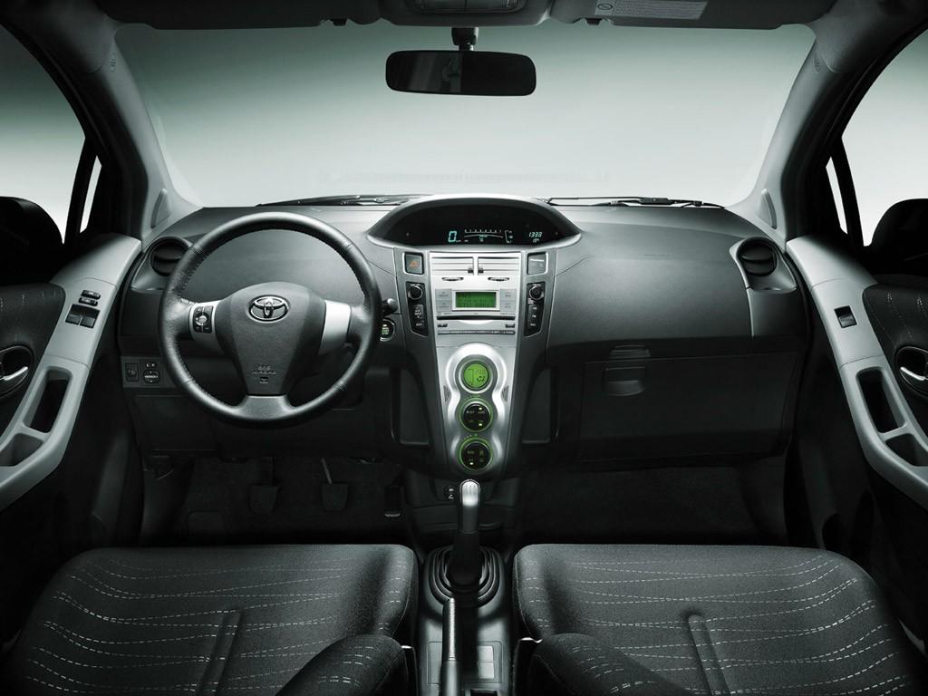Toyota Yaris II 2005 - 2009 Sedan #7