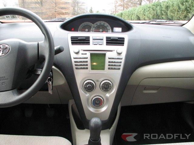 Toyota Yaris II 2005 - 2009 Sedan #6
