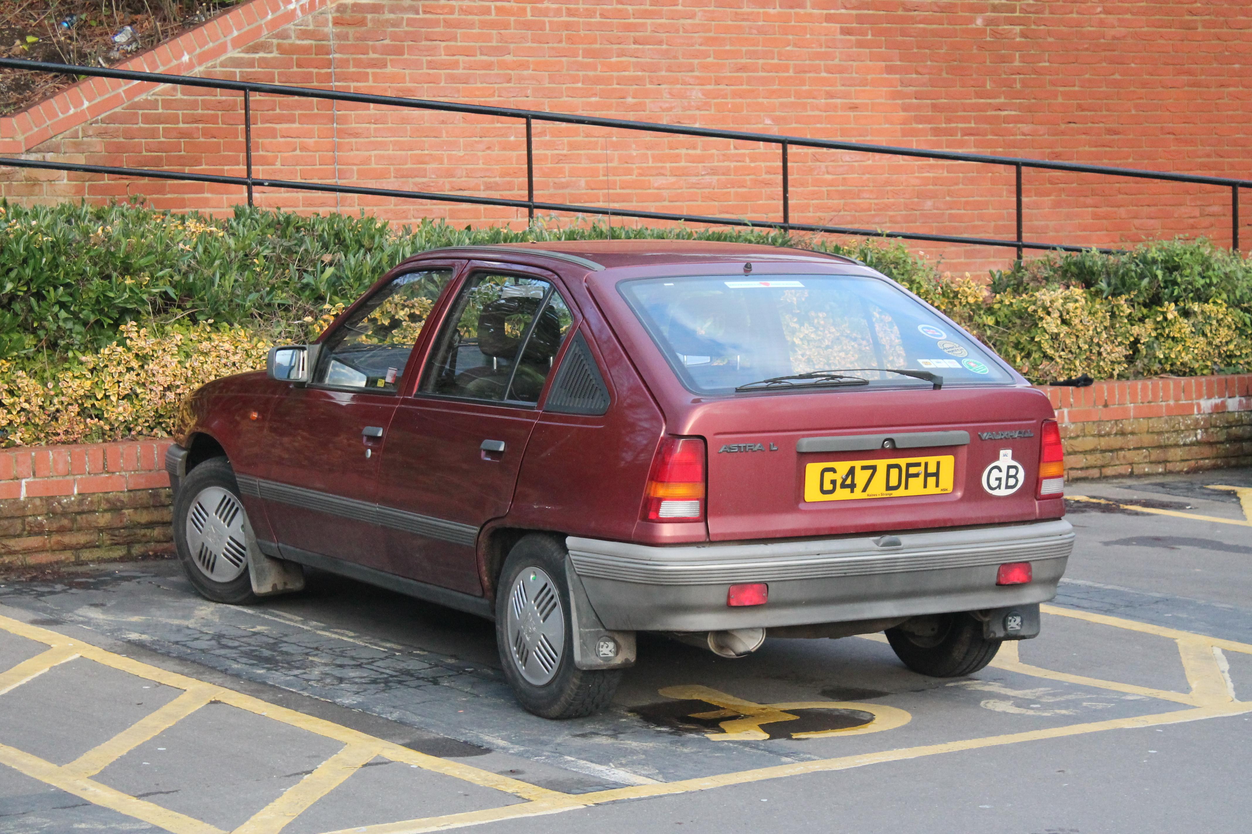 Vauxhall Astra E 1984 - 1991 Station wagon 5 door #5