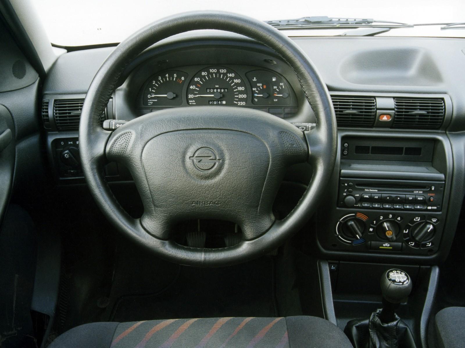 Vauxhall Astra F 1991 - 2002 Hatchback 3 door #4