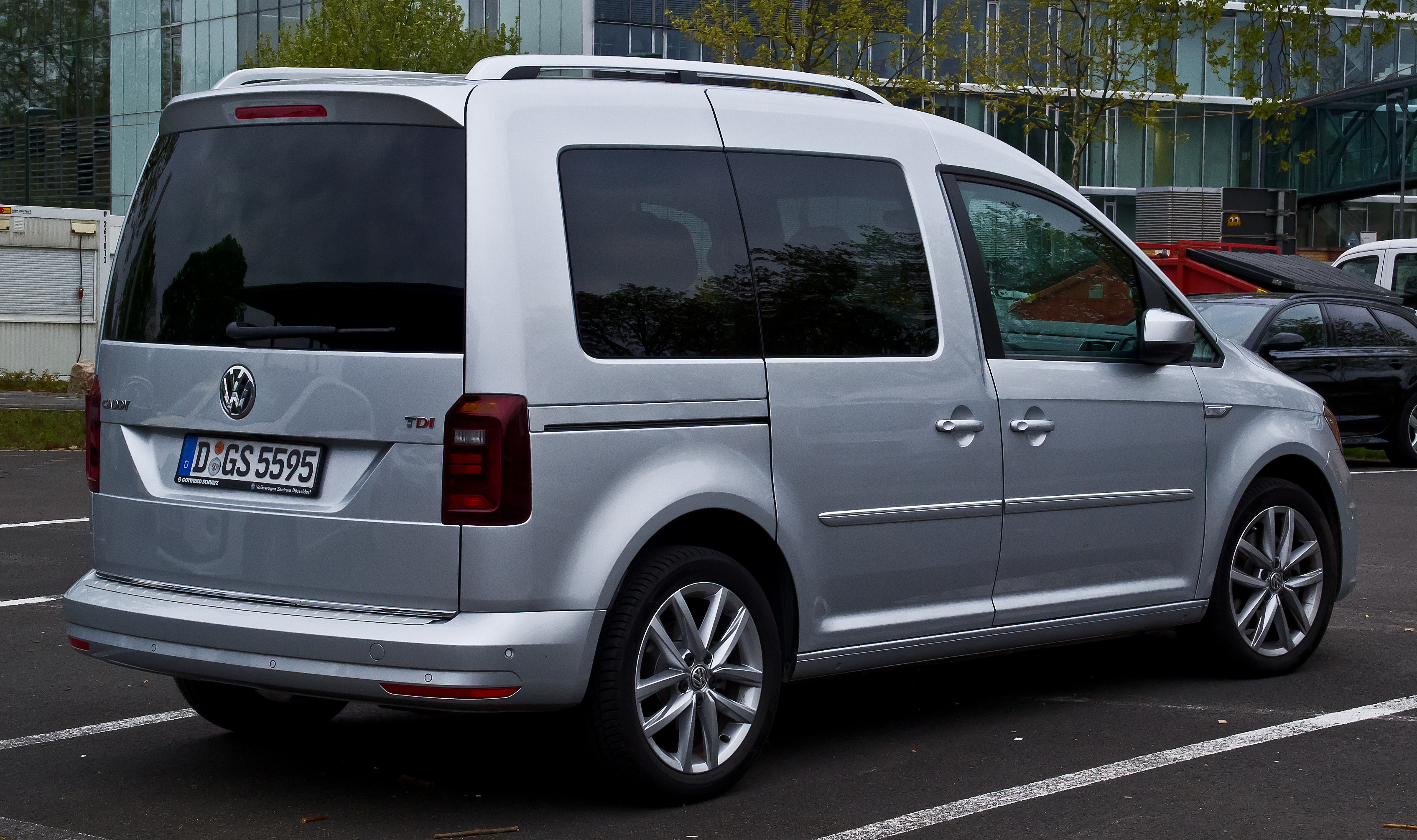 Volkswagen Caddy IV 2015 - now Compact MPV #3