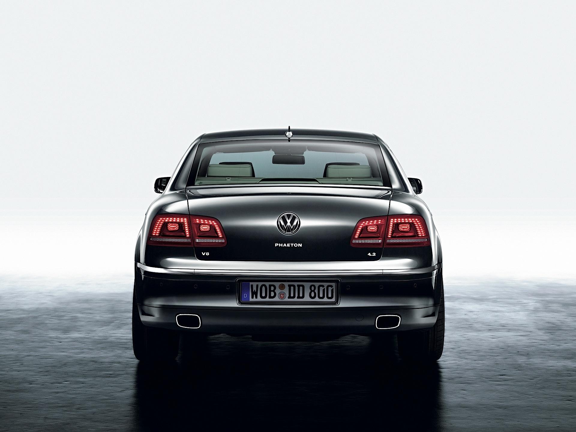 Volkswagen Phaeton I Restyling 2010 - 2016 Sedan #7