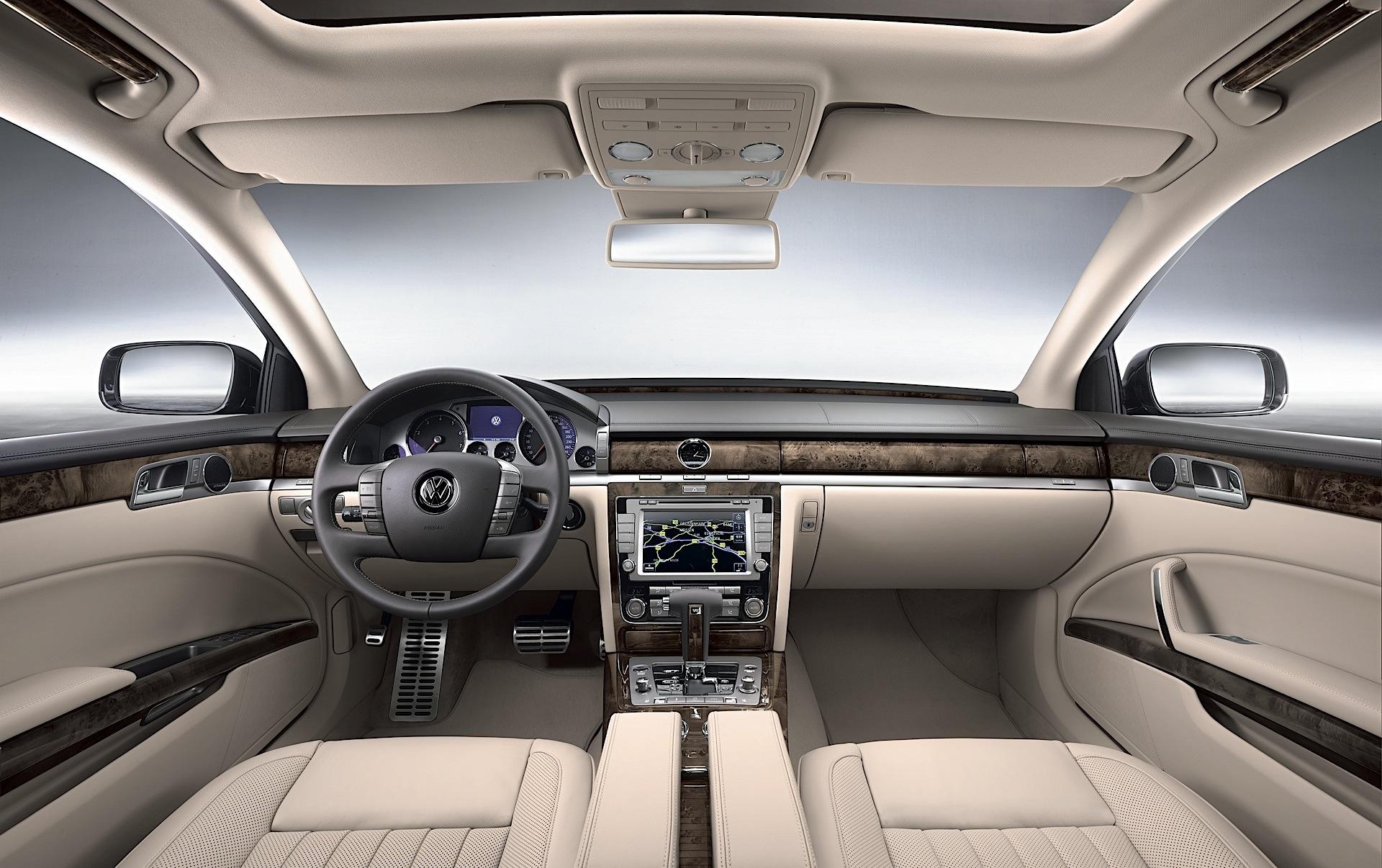 Volkswagen Phaeton I Restyling 2010 - 2016 Sedan #2