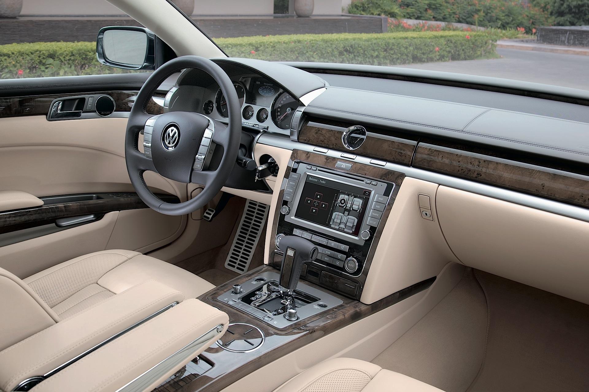 Volkswagen Phaeton I Restyling 2010 - 2016 Sedan #8