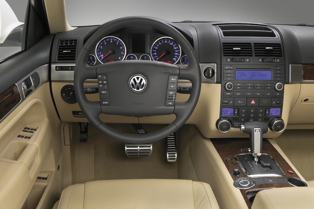 Volkswagen Touareg II 2010 - 2014 SUV 5 door #7