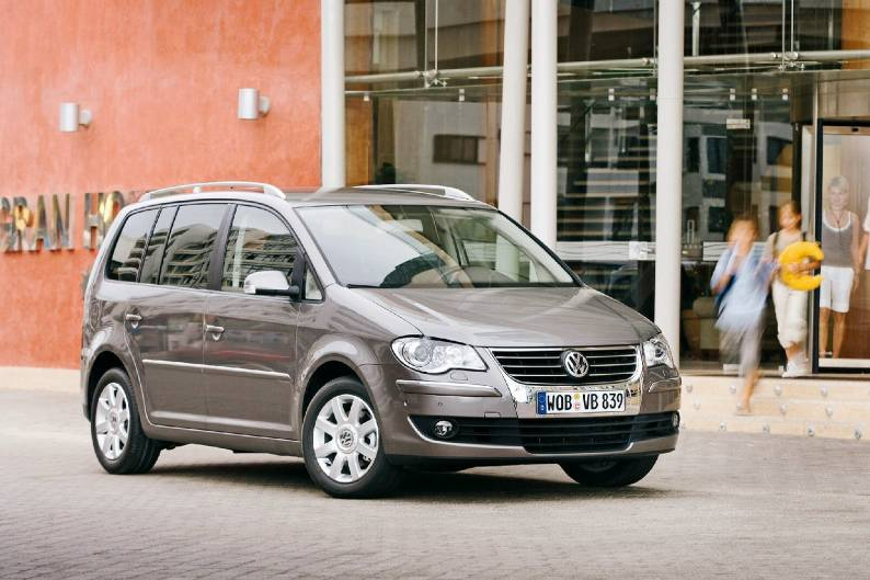 Volkswagen Touran I Restyling 2006 - 2010 Compact MPV #2