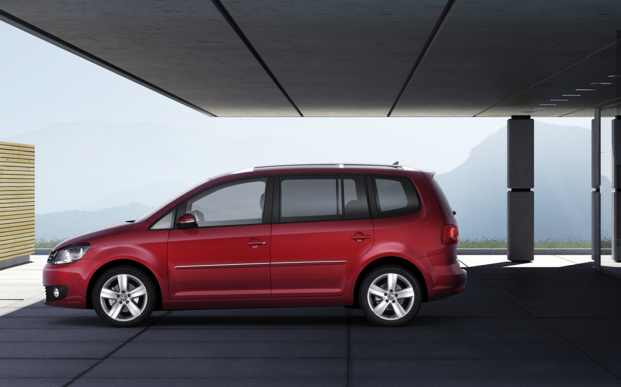 Volkswagen Touran I Restyling 2006 - 2010 Compact MPV #7