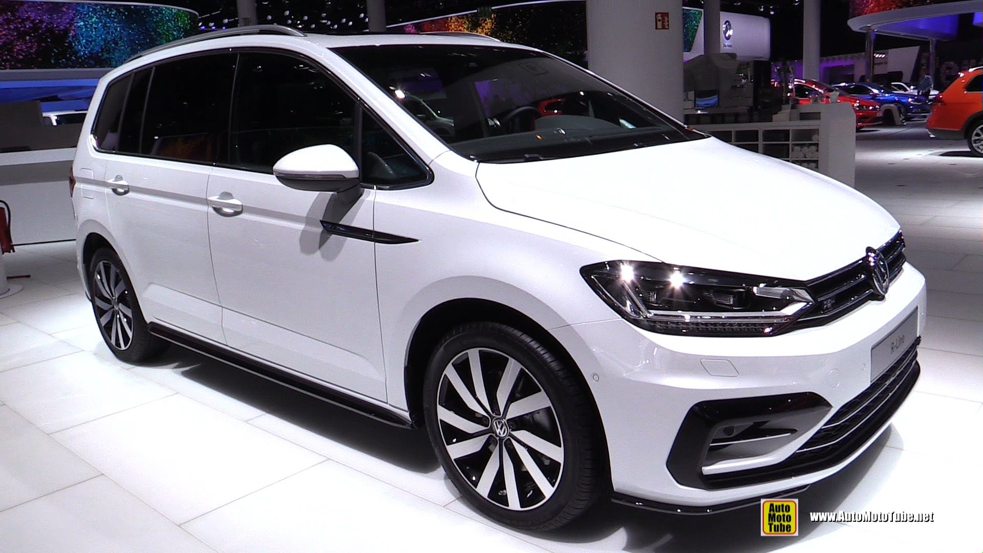 Volkswagen Touran III 2015 - now Compact MPV #2