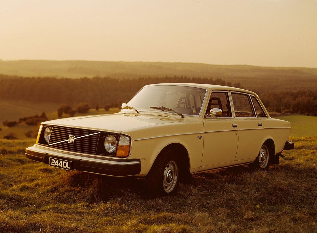 Volvo 240 Series 1974 - 1993 Sedan #3