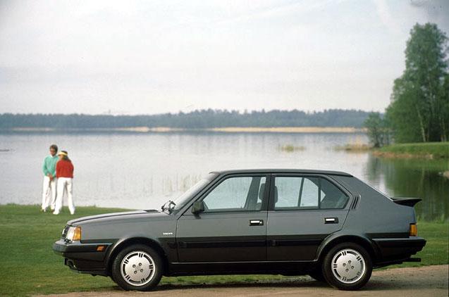 Volvo 300 Series 1975 - 1991 Hatchback 3 door #1