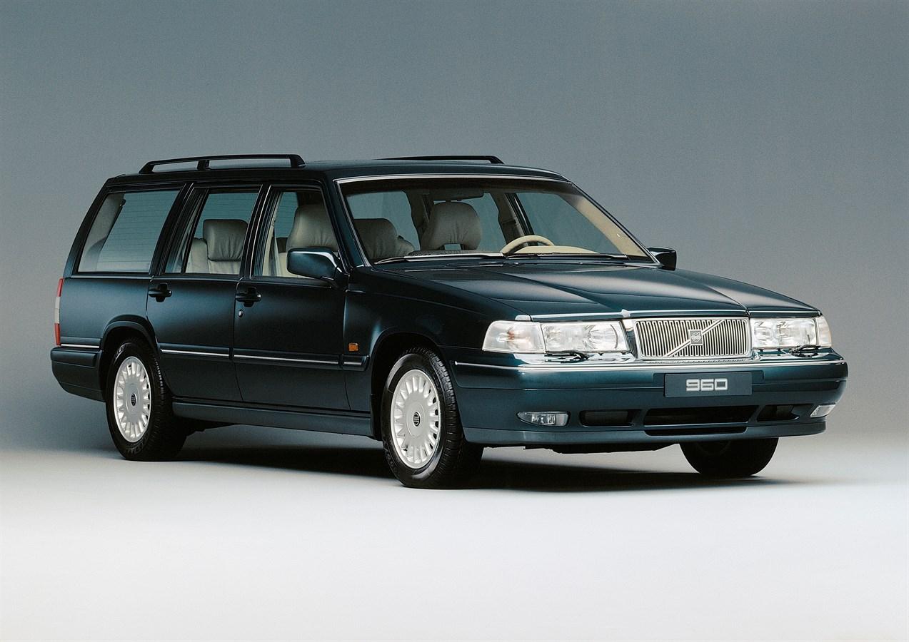 Volvo 960 I Restyling 1994 - 1996 Station wagon 5 door #4