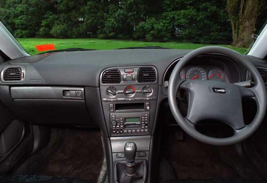 Volvo S40 I 1995 - 2000 Sedan #7