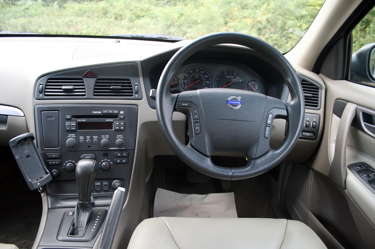 Volvo S60 I 2000 - 2004 Sedan #8