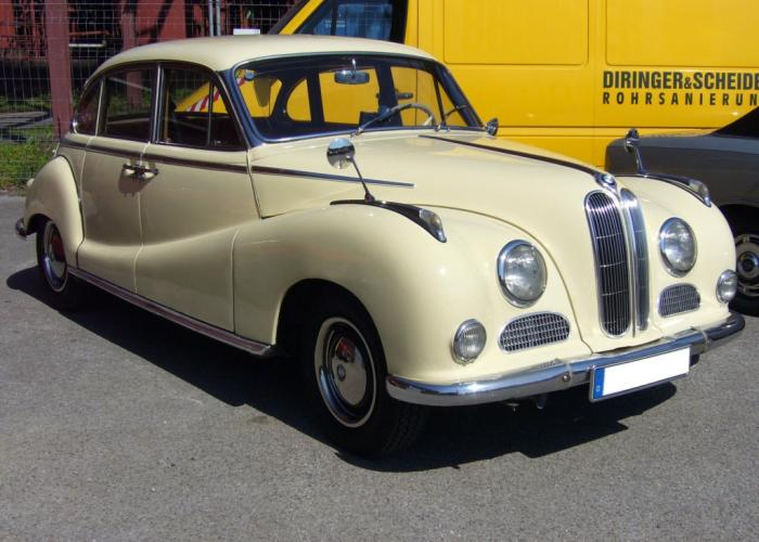 BMW 502 1954 - 1961 Sedan :: OUTSTANDING CARS