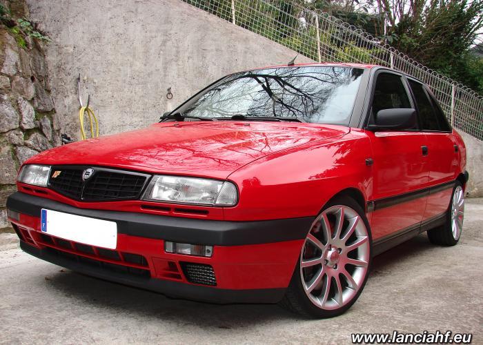http://carsot.com/images700_500/lancia-delta-ii-836-1993-1999-hatchback-3-door-interior-1.jpg