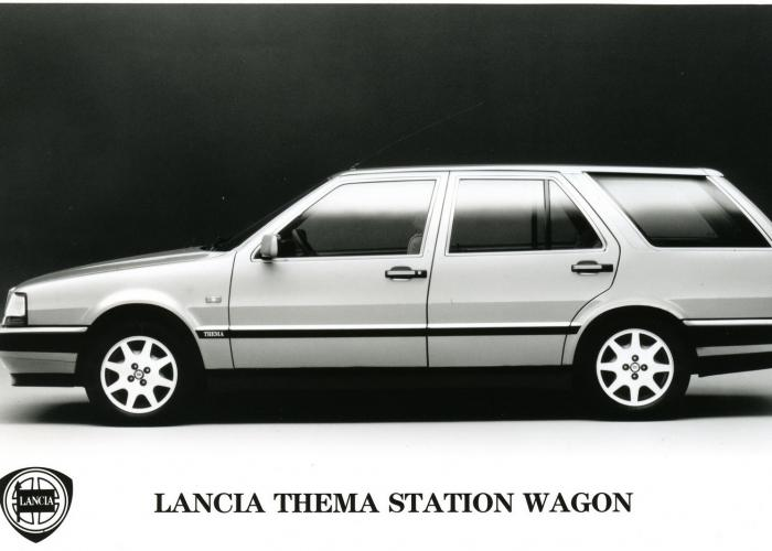 http://carsot.com/images700_500/lancia-thema-i-1984-1994-station-wagon-5-door-exterior.jpg