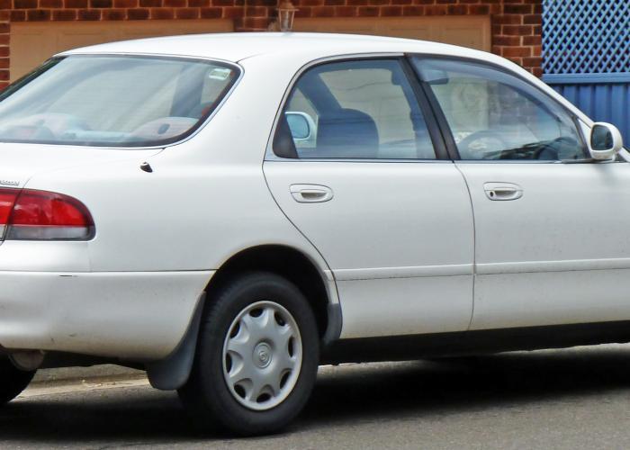 Mazda Cronos