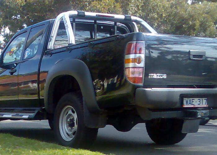 http://carsot.com/images700_500/mazda-bt50-i-2006-2008-pickup-exterior-2.jpg