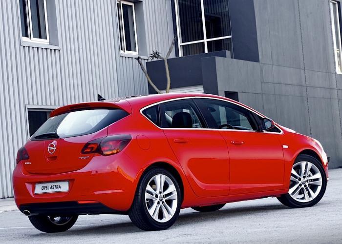 Opel Astra J 2009 - 2012 Hatchback 5 door #6 & Opel Astra J 2009 - 2012 Hatchback 5 door :: OUTSTANDING CARS