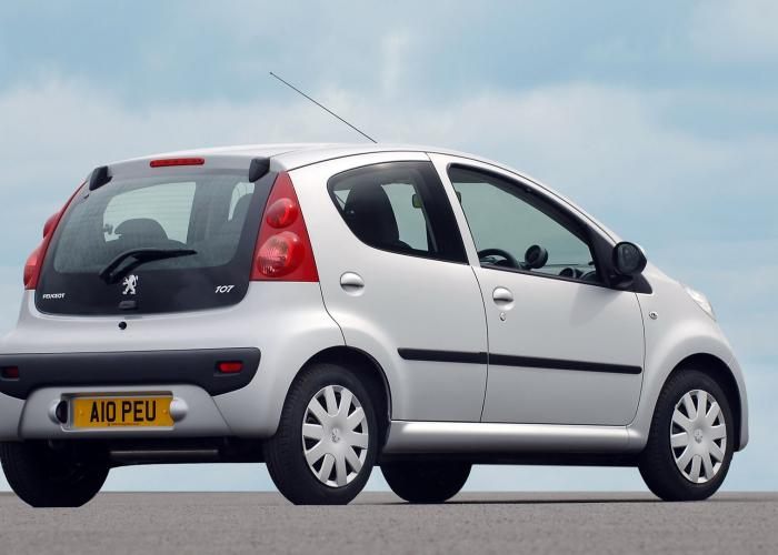 Peugeot 107 I 2005 - 2009 Hatchback 5 door :: OUTSTANDING CARS