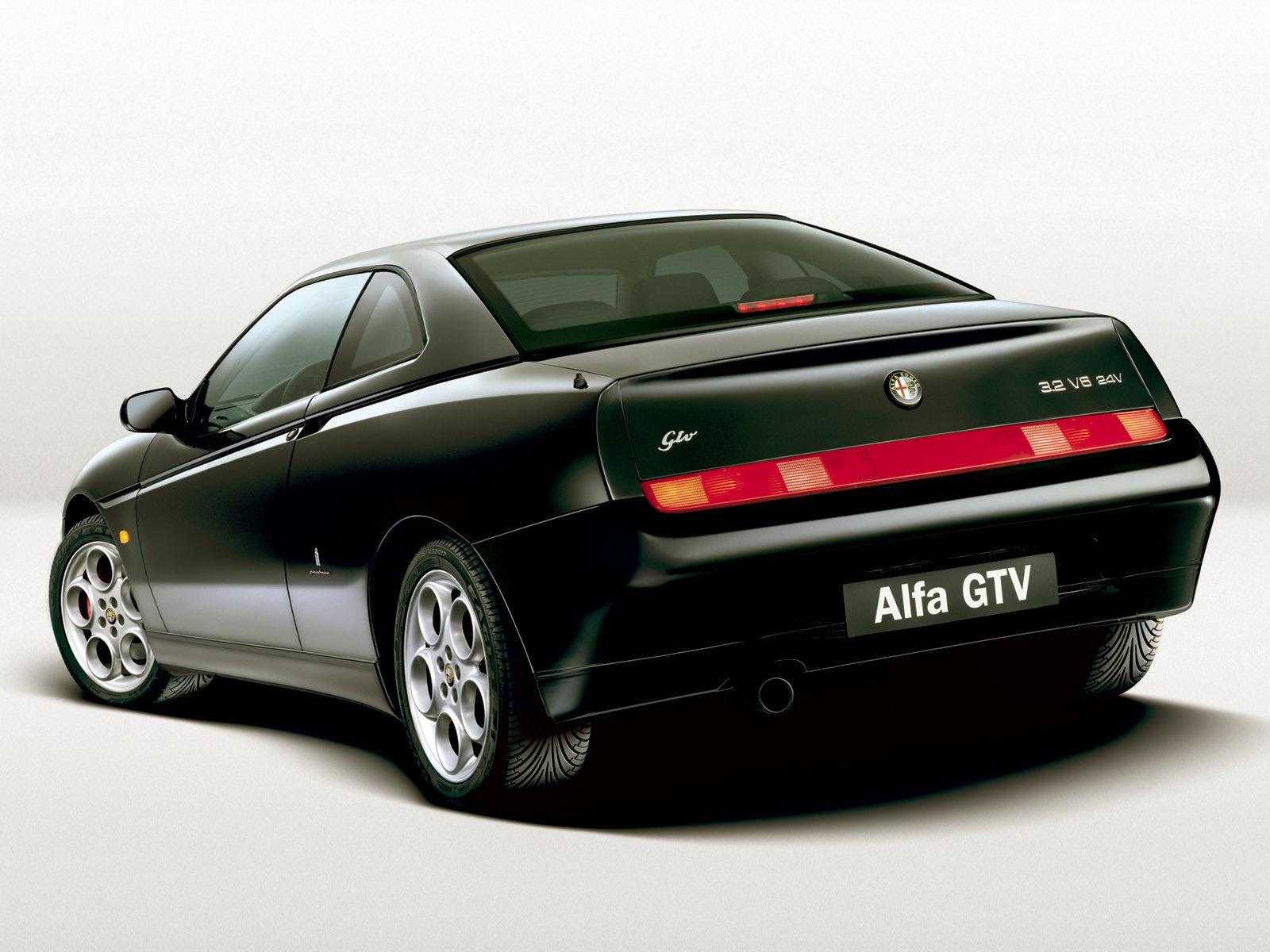 Alfa Romeo GTV 1995 - 2006 Coupe #1