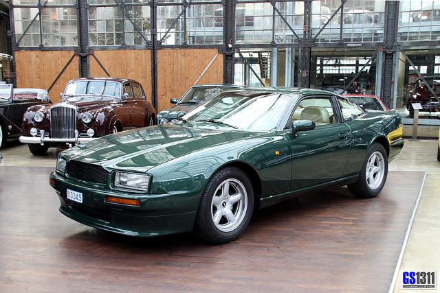 Aston Martin Virage I 1989 - 1996 Sedan #7