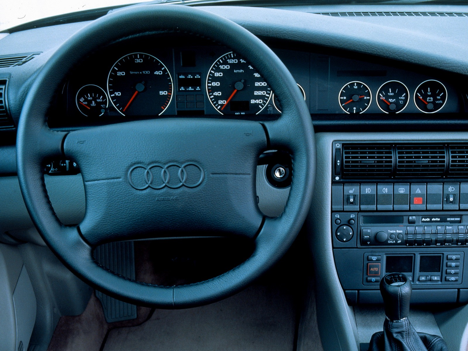 Audi S6 I (C4) 1994 - 1997 Sedan #1