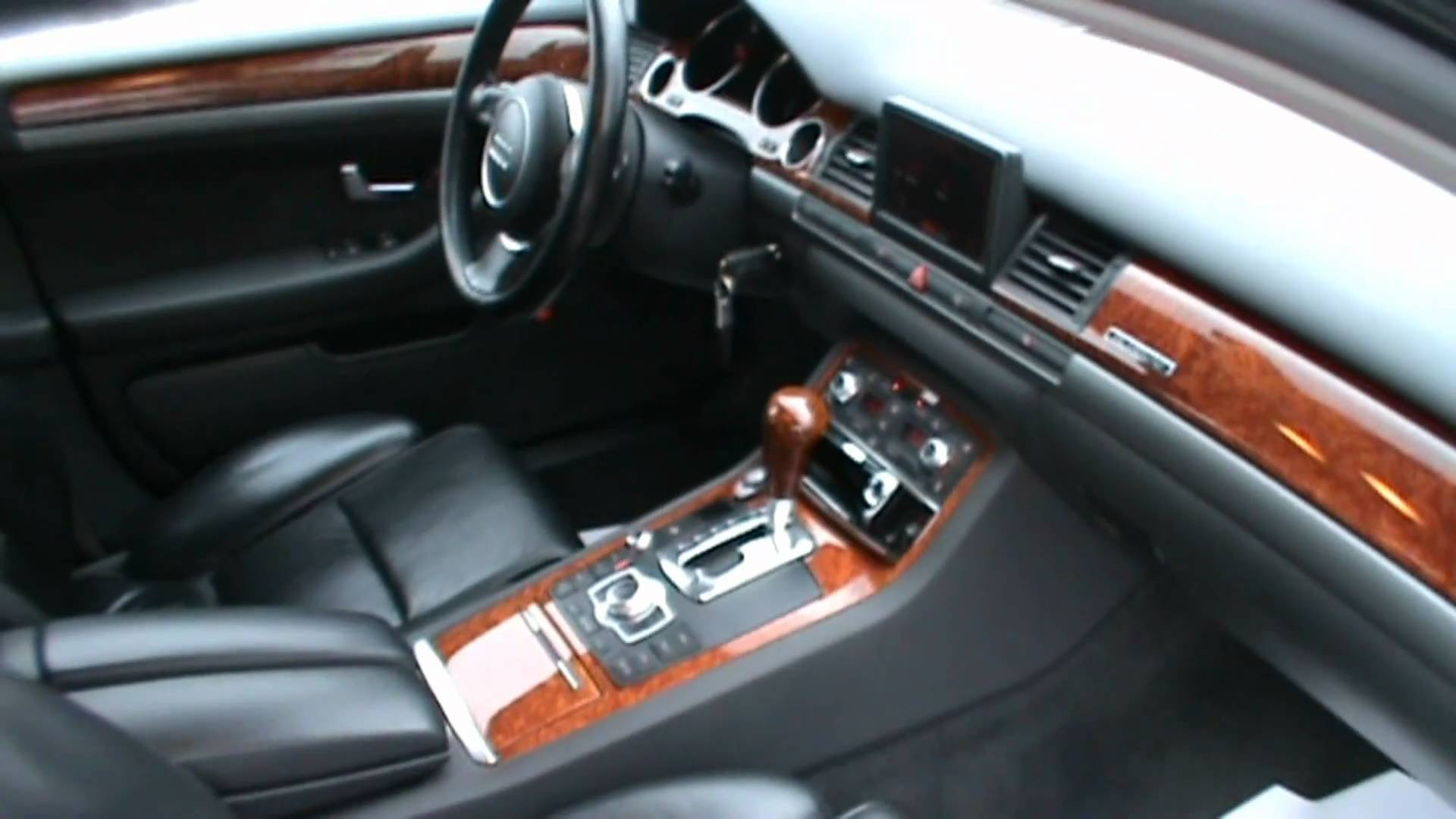 Audi A8 II (D3) Restyling 2005 - 2007 Sedan #1