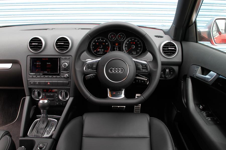 Audi RS 3 I 2011 - 2012 Hatchback 5 door #4