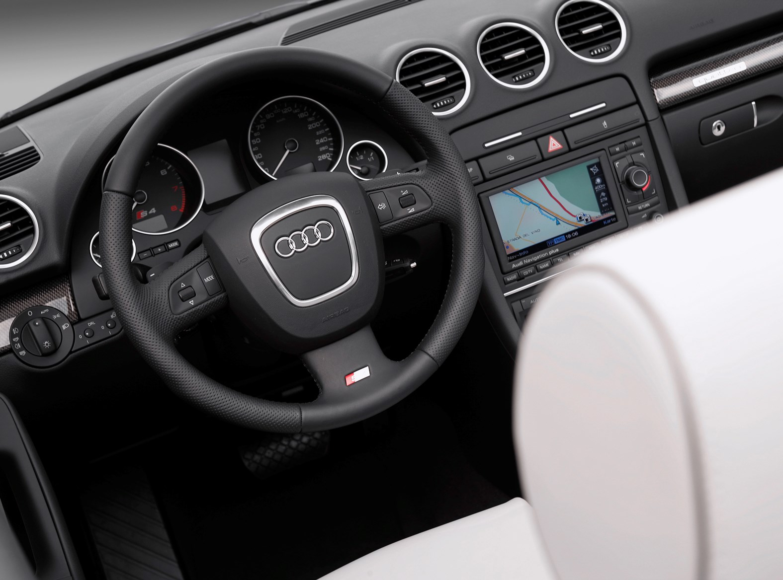 Audi S4 III (B7) 2005 - 2008 Cabriolet #1