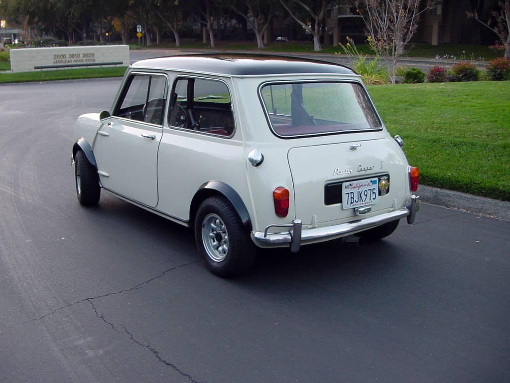 Austin Mini 1967 - 1993 Sedan 2 door #2