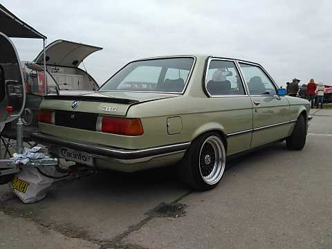 BMW 3 Series I (E21) 1975 - 1983 Sedan 2 door #1
