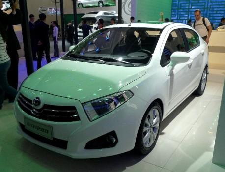 Brilliance H230 2012 - now Hatchback 5 door #1