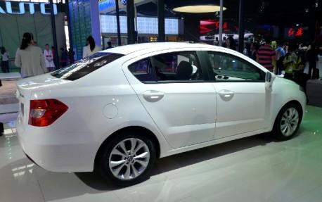 Brilliance H230 2012 - now Hatchback 5 door #2
