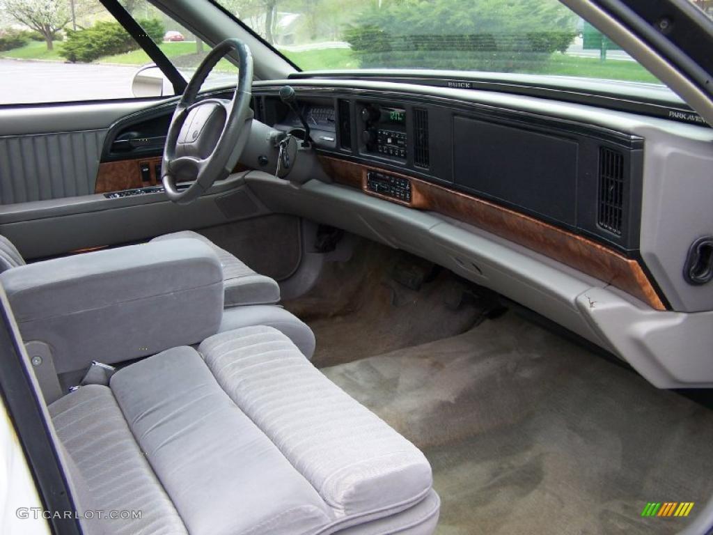 Buick Park Avenue I 1991 - 1996 Sedan #4