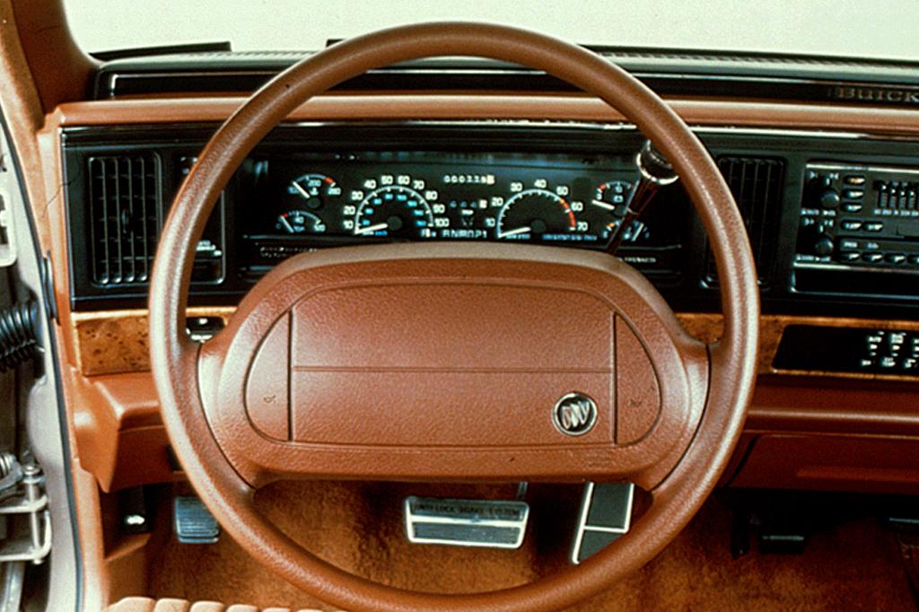 Buick Park Avenue I 1991 - 1996 Sedan #6
