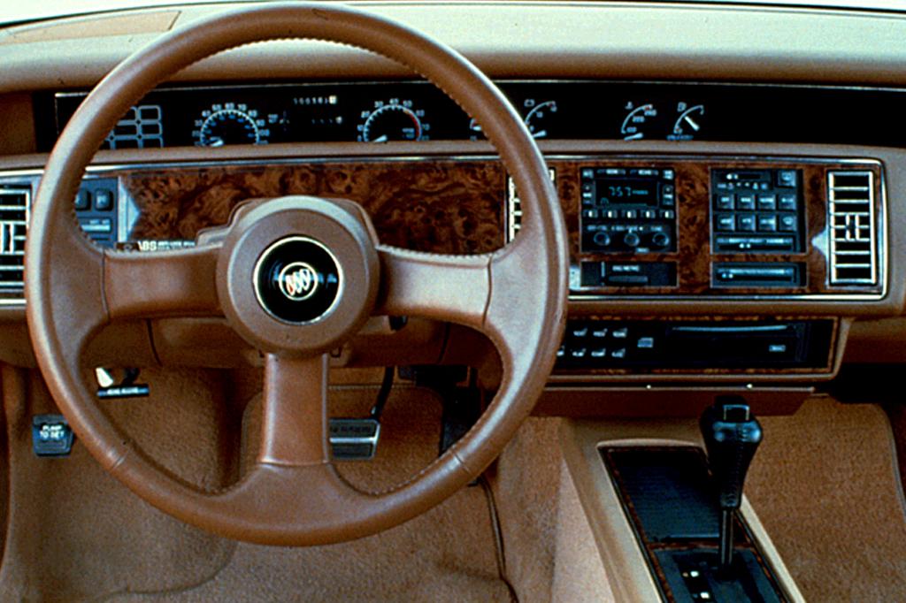 Buick Regal III 1988 - 1996 Sedan #5