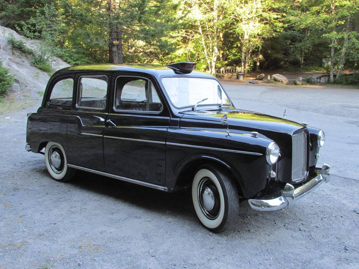 Carbodies FX4 1982 - 1995 Sedan #1