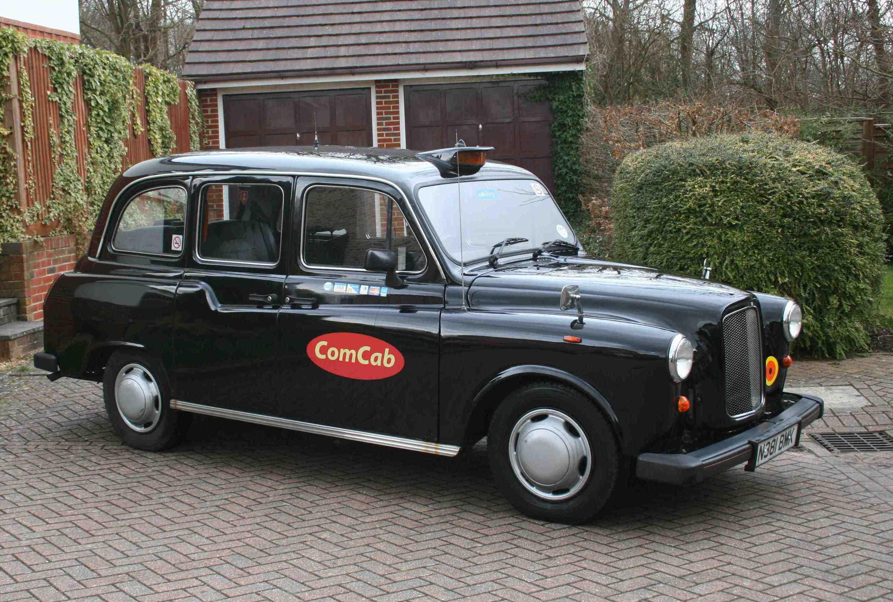 Carbodies FX4 1982 - 1995 Sedan #5