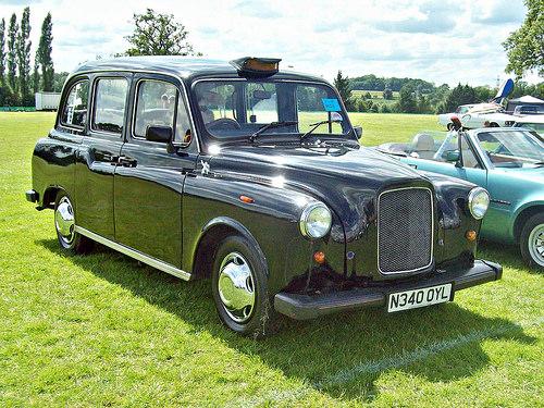 Carbodies FX4 1982 - 1995 Sedan #8