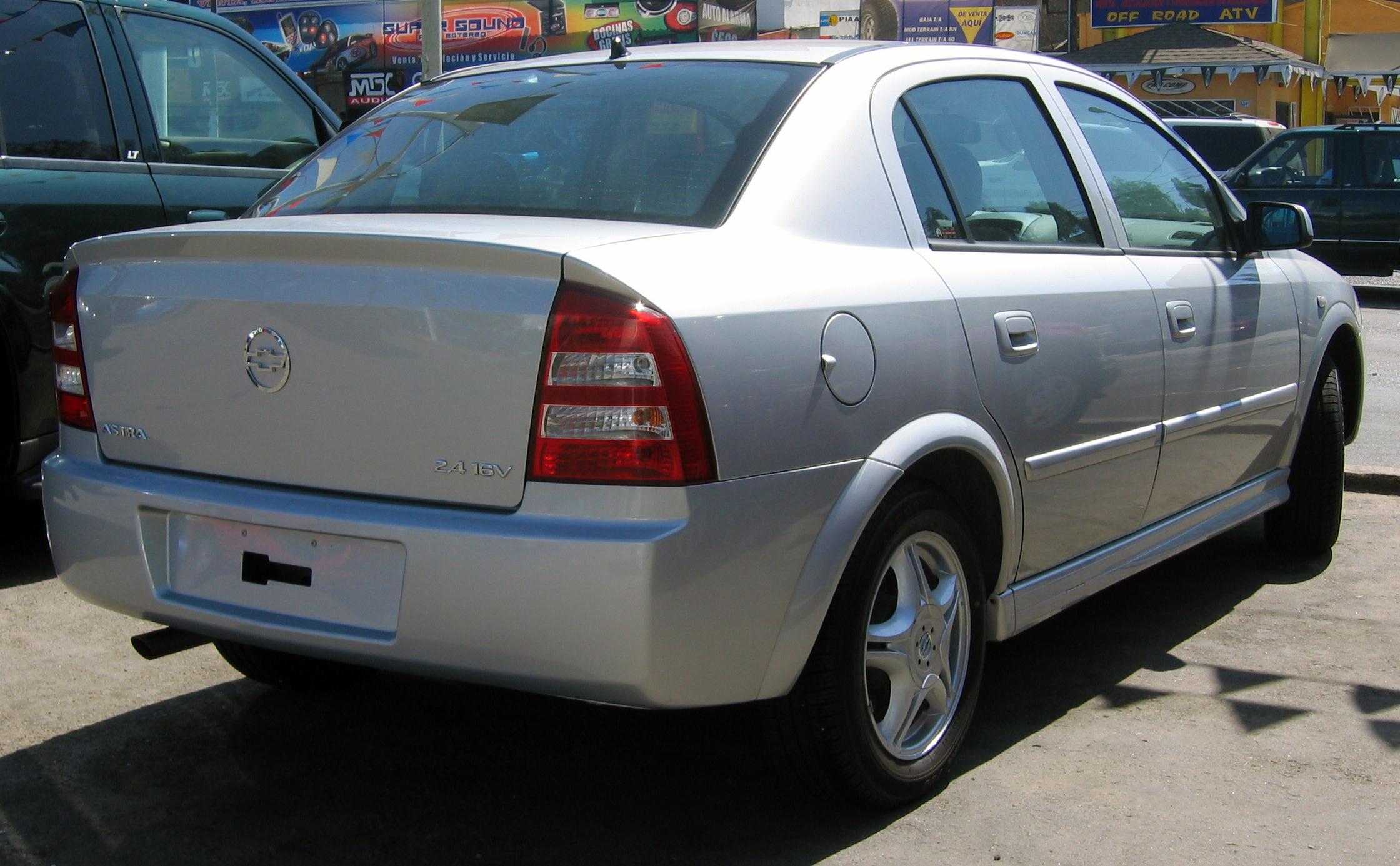 Chevrolet Astra 1998 - 2011 Sedan #2