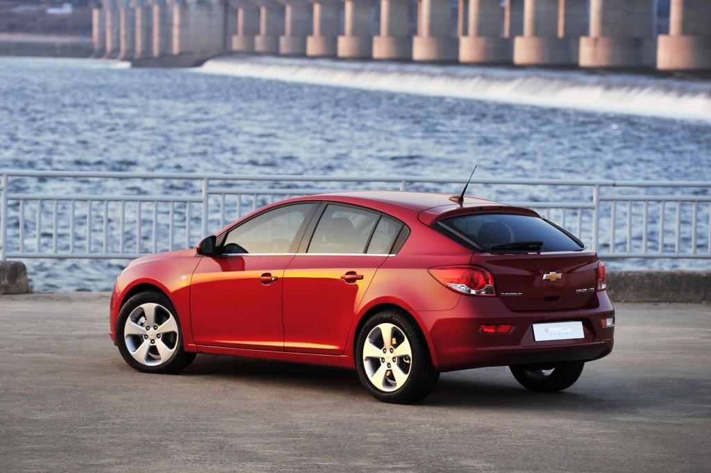 Chevrolet Cruze I 2009 - 2012 Hatchback 5 door #4