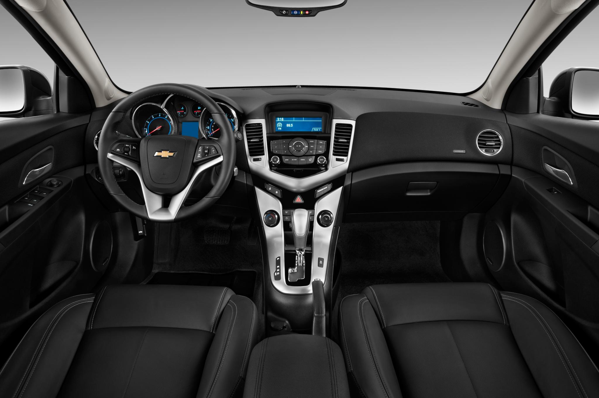 Chevrolet Cruze I 2009 - 2012 Hatchback 5 door #3