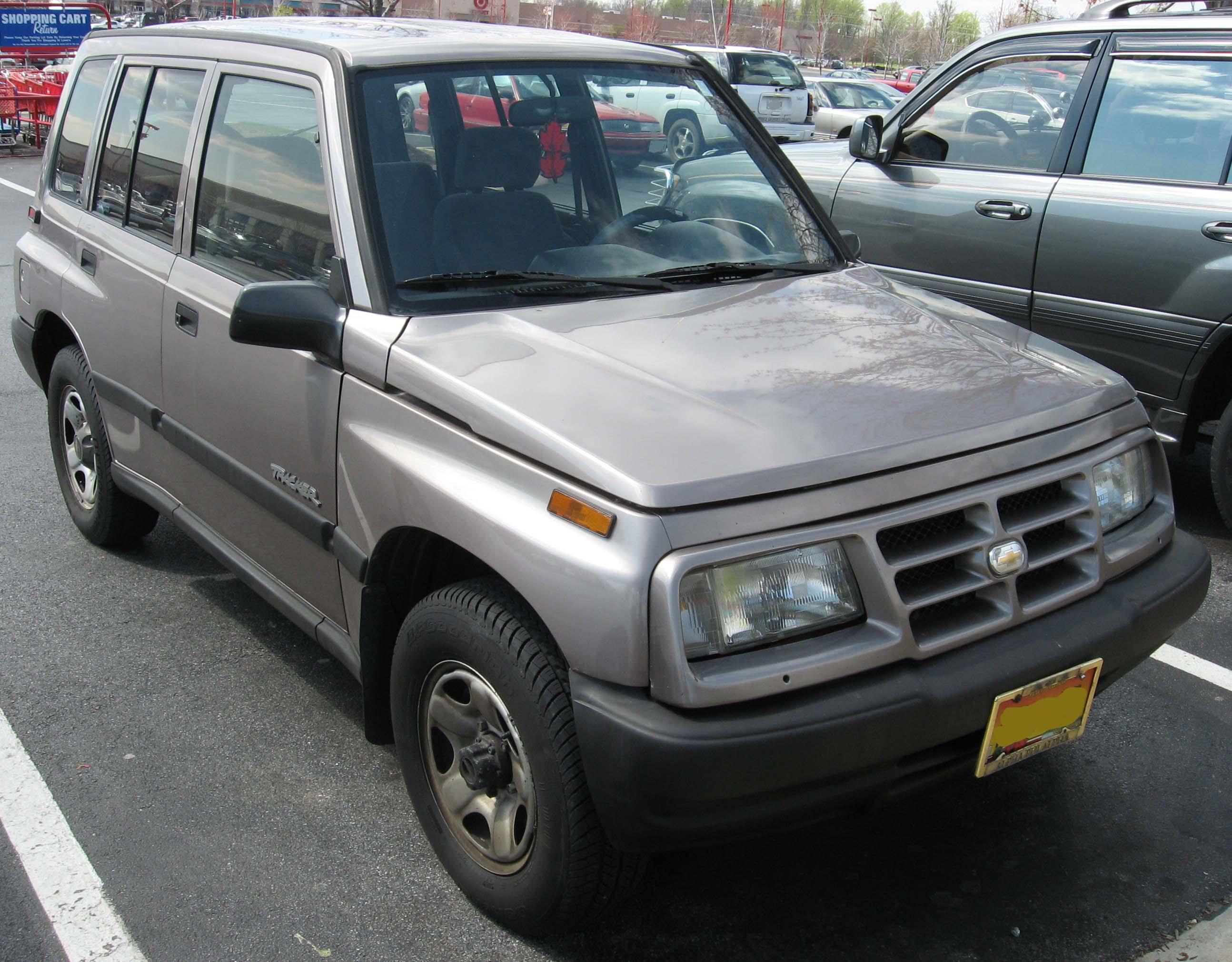 Chevrolet Tracker I 1989 - 1998 SUV 3 door #2
