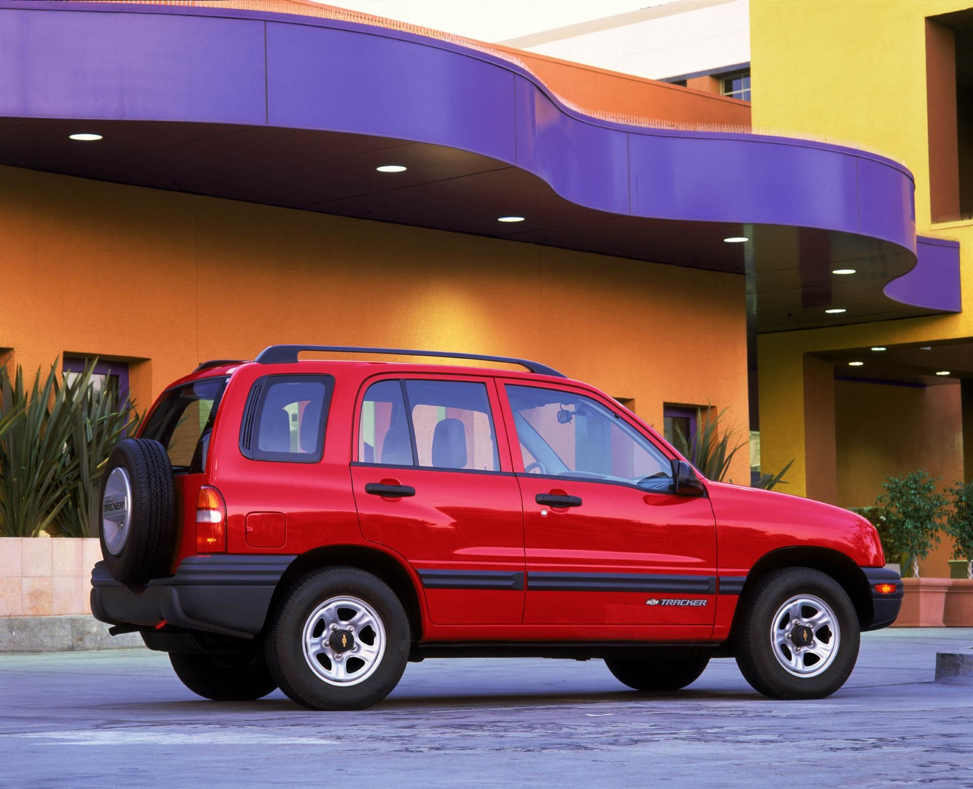 Chevrolet Tracker II 1998 - 2004 SUV #4
