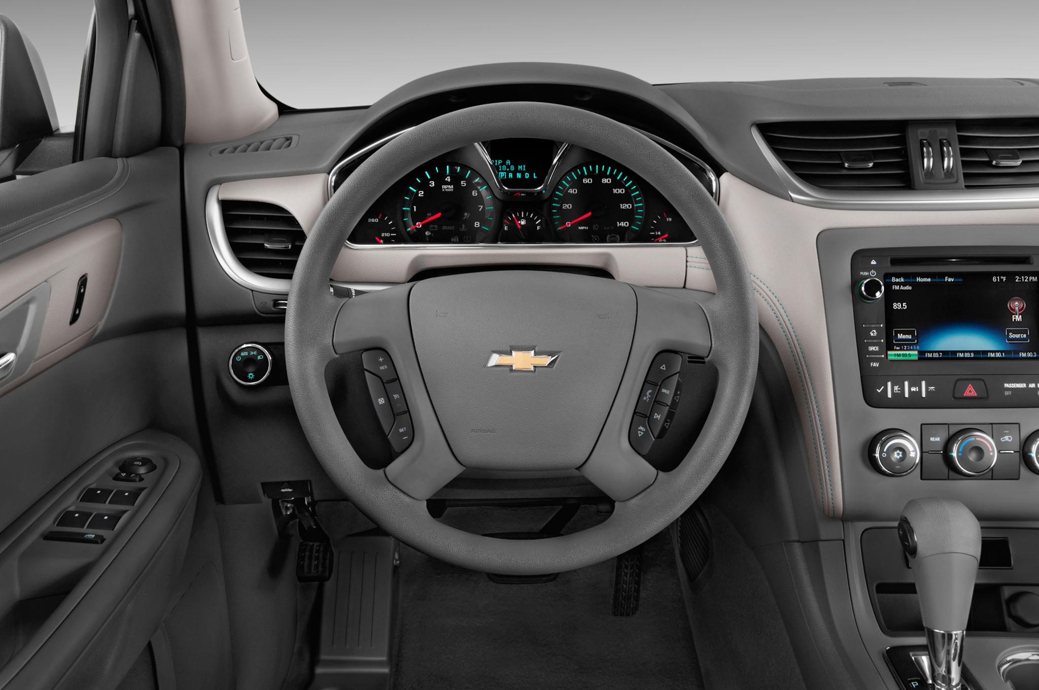 Chevrolet Traverse II 2017 - now SUV 5 door #3